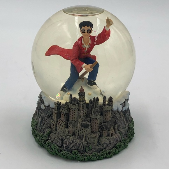 Harry Potter quidditch snowglob